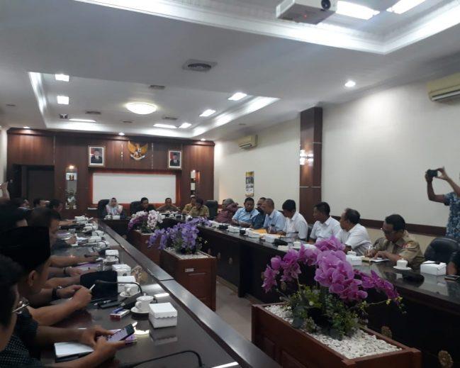 Komisi C Usul Pembentukan Pansus Untuk Bongkar Permainan Proyek