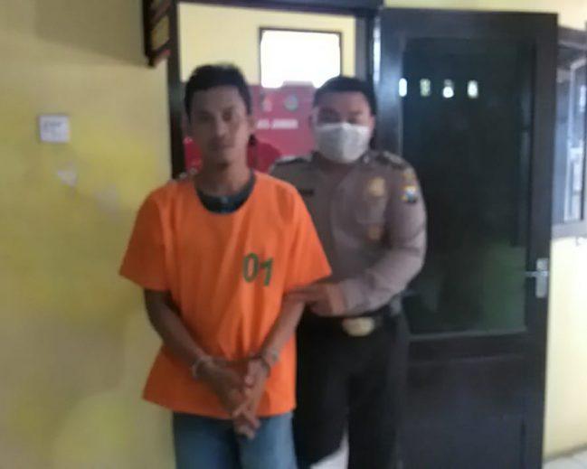 Sisir Kerumunan Warga Cegah Covid-19 Polisi Tangkap Warga Sedang Pesta Sabu
